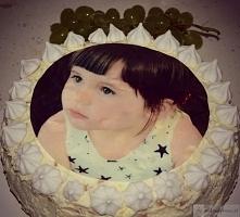 tort na urodziny, śmietanowy z nutką owocową, prosty i szybki w wykonaniu. Przepis na blogu wkawiarence.pl