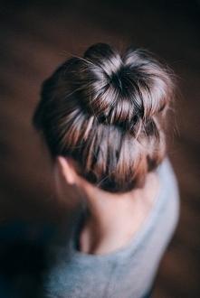 Idealna fryzura na upalne d...