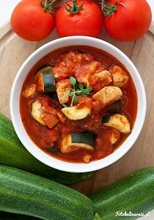 potrawka z kurczaka z cukinią i pomidorami