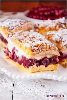 Ciasto z wiśniami i pianką