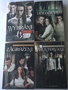 """Mam do sprzedania 4 książki z serii """"Wybrani"""", raz przeczytane, sta..."""