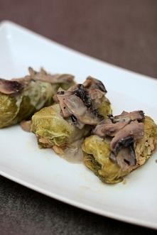 ładniki: – kapusta pekińska – 500g mięsa mielonego (wołowo – wieprzowe) – jed...