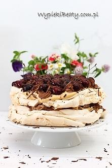 Tort bezowy kawowo-karmelowy