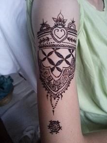 na ramieniu #henna