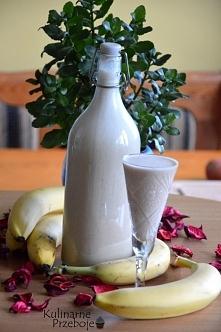 Likier bananowy  Likier bananowy kolorem może nie grzeszy, ale za to w smaku ...