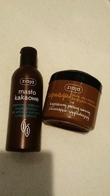 ziaja moim nr 1 :) kremowa odżywka wygładzająca masło kakaowe REWELACJA włosy się nie puszą,są gładkie i wygładzone naprawdę polecam :) iiiii krystaliczna peeling cukrowy zluszc...