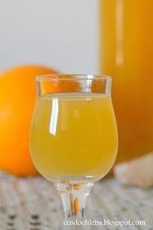 Dobroczynna nalewka z pomarańczą, cynamonem i imbirem na miodzie  Bomba witaminowa i nie tylko. Fantastyczna nalewka na przeziębienie w wersji dla dorosłych :) Słodycz miodu i p...