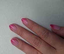 Hybryda termoaktywna Twisted Pink z Neonail zmieniająca kolor w zależności od...