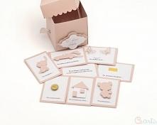 Kartka Ślubna prezent z kuponami w pudrowym różu  Prezent w środku posiada kupony z życzeniami. Życzenia na odwrocie mają kieszonkę na dołączenie pieniędzy  Kartka prezent z kup...