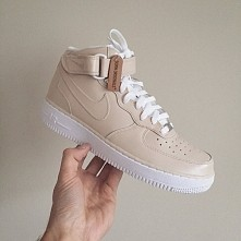 ° NIKEAIRFORCE1°