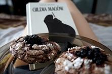 ciastka i książka = idealne popołudnie