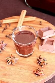 Likier czekoladowo – piernikowy  Składniki  1 puszka niesłodzonego mleka kond...