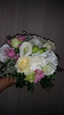 Małopolska/Podkarpacie Szanowni Państwo,  Zajmujemy się oprawą florystyczną oraz wykonaniem wyjątkowych dekoracji na wyjątkowe chwile.  Dzieląc się naszym wieloletnim doświadcze...