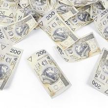 Konfetti z banknotami :).