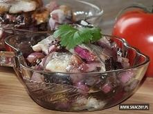 Aromatyczne śledzie z czerwoną cebulą i suszonymi śliwkami 1 kg matiasów 25 d...