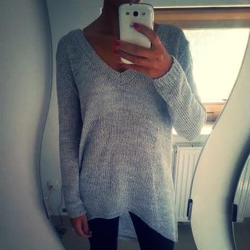 Luźny długi sweterek. Model S38 - zapraszamy do naszego sklepu: e-stil.pl