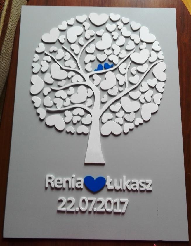 Drzewko szczęścia - idealny prezent ślubny, na rocznicę ślubu, rocznicę związku lub też jako księga gości weselnych na której goście mogą zostawić podpisy bądź odciski palców. Kolor serca i ptaszków do wyboru.