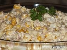 Sałatka z tuńczyka i ananasa 1 puszka tuńczyka (w sosie własnym) 1 puszka ana...