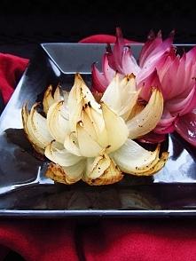 Orientalne kwiaty z cebuli