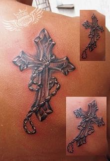 krzyż tatuaż różaniec