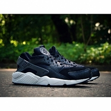 NIKE AIR HUARACHE RUN PRM 7...