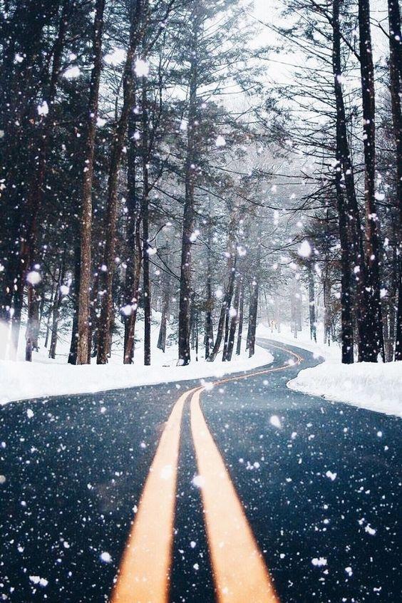Pada śnieg...