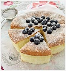 Przepis na Sponge Cake [klik] Ciasto na bazie mąki kukurydzianej bez tłuszczu i proszku do pieczenia.  Składniki:  3 jajka ( 65g każde )      1/2 szklanki ( 110g ) cukru pudru (...