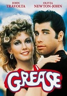 Sandy i Danny zakochują się podczas wakacji. Wkrótce odkrywają, że trafili do tej samej szkoły, przez co ich letnia miłość zostaje wystawiona na próbę.