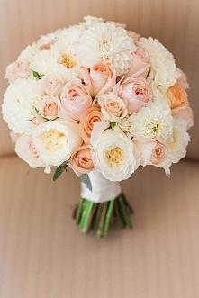 ślubny bukiecik z róż
