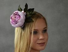 Ślubny kwiat do włosów - piwonia.  Dostępny w Madame Allure :)