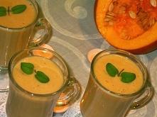 SKŁADNIKI (dla 4 osób):   200 g miąższu dyni 2 szklanki mleka sojowego o smaku waniliowym 2 banany plasterek ananasa łyżka miodu lipowego 1/4 łyżeczki cynamonu   WYKONANIE: Dyni...