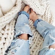 jeans boyfriends holes