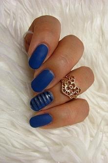 blue mat and gold