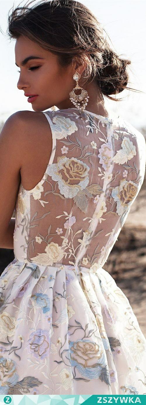 Pomocy !!! Szukam sukienki na wesele. Jakie sklepy internetowe polecacie ?