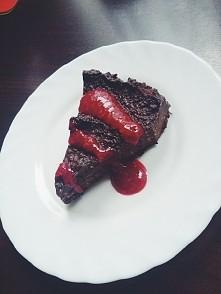 Wyszlo pyszne! Mocno czekoladowe, po calej nocy w lodówce smakuje jak blok czekoladowy :)