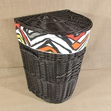 Wiklinowy kosz na pranie wenge obszyty materiałem wzór - LYNDBY
