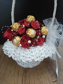 koszyk z pralin Ferrero Roc...