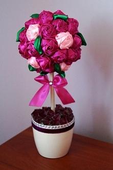 Drzewko z róż ze wstążki wykonane w całości własnoręcznie, idealny prezent na urodziny, ślub, imieniny i wiele innych okazji, możliwość sprzedaży zapraszam :)