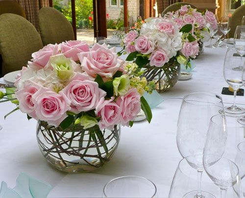 różana dekoracja na stół