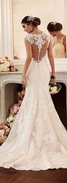 suknia ślubna ze wzorem