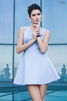 Sukienka wykonana z neopren...