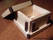 Małe drewniane pudełeczko