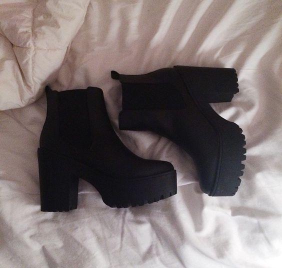 jestem uzależniona od takich butów :3