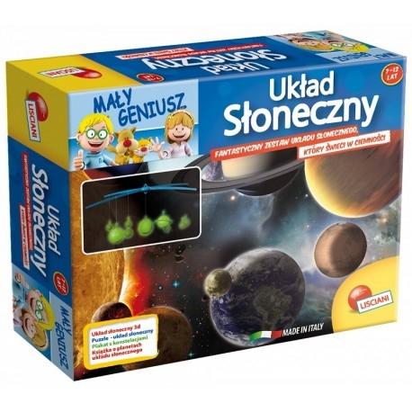 """Witajcie,   Kolejny zestaw serii Mały Geniusz, tym razem """"Poznaj Układ Słoneczny"""" od Lisciani dla Dzieci od 7-12 lat.  Stwórz prawdziwy model """"Układu Słonecznego"""" z Plastikowych Fluorescencyjnych Planet świecących w ciemności.   Zobacz co znajduje się w zestawie:)"""