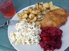 Niedzielny obiadek na działce ;) uwielbiam pieczone ziemniaczki!