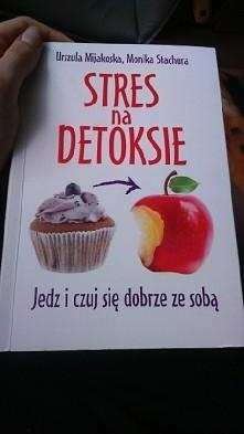 Bardzo polecam tę książkę! Naprawdę dobry poradnik o zdrowym odżywianiu. Nie ...
