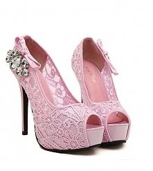 Cudowne szpilki na platformie, różowa koronka :) Kliknij w zdjęcie i zobacz gdzie je kupić!