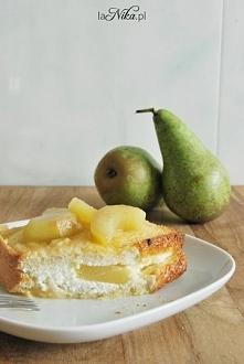 Pyszne, słodkie śniadanie! Pieczone tosty francuskie z twarogiem i karmelizowanymi gruszkami. Przepis po kliknięciu w zdjęcie :)