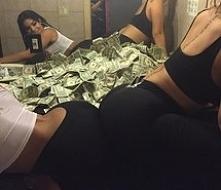 m-m-m-money