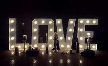 świetlne LOVE - idealna dekoracja weselna